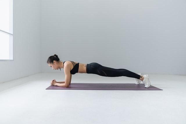 Практика йоги для улучшения стабильности для фигуристок. Лешие позы в йоге для улучшения навыков катания на льду