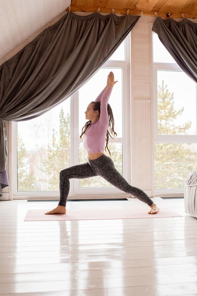 Лучшие позы в йоге для фигуристок